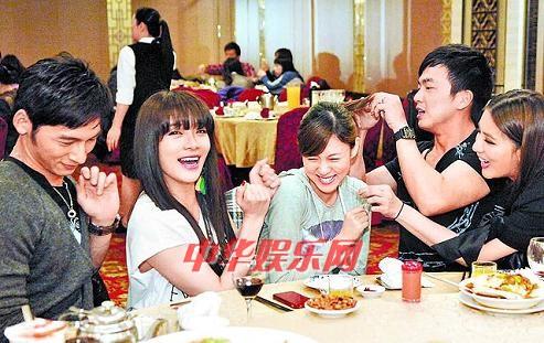 朱芯仪/小祯(右起)、李沛旭、朱芯仪、蔡淑臻、温昇豪