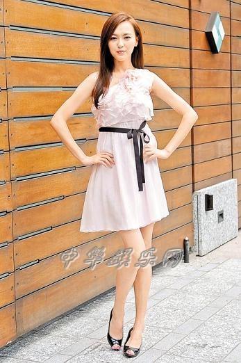 唐嫣收入超过男友30倍邱泽和赖雅妍拍床戏不怕女友吃醋(图)
