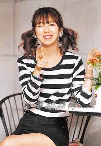 23岁荷莉《可爱颂》(guiyomisong)网络暴红接班psy(图)