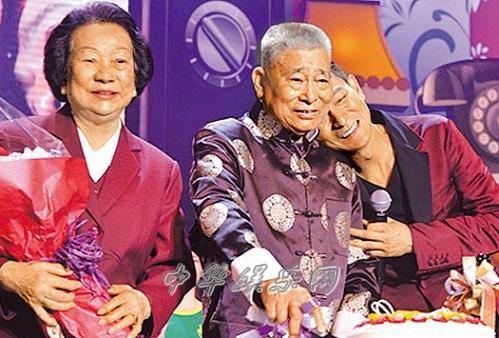 刘德华儿时赌博被老爸刘礼吊起来打想找林志玲拍《床戏》(图)