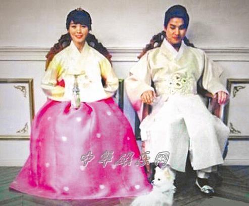 李孝利/先艺和老公穿韩服过节