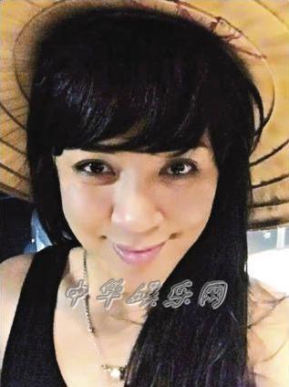 罗志祥/罗志祥划拳游戏输了被罚扮女装娘脸配肌肉身自拍留念(图)