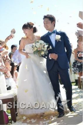 秋元 康 結婚