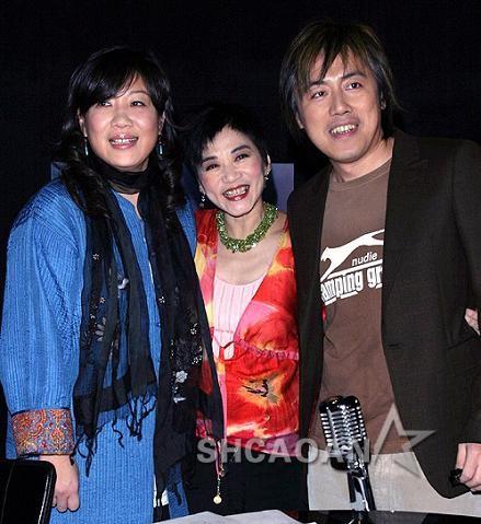 张宇老婆萧慧文至今支撑其参与《我是歌手2》 邓紫棋生病缺抱(图)