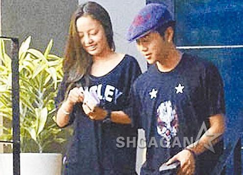 KARA具荷拉踩空摔伤男友龙俊亨与BEAST向媒体道歉(图)