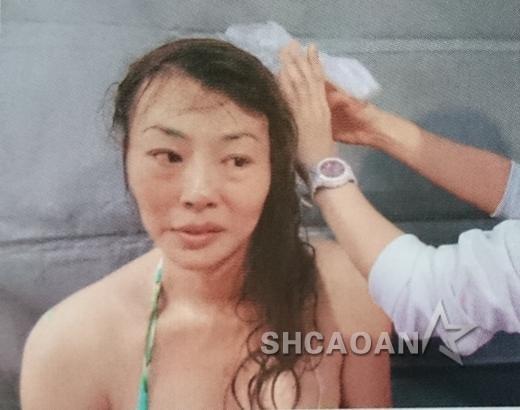 法拉利姐张婷婷血溅泳池险丧命头顶破了5厘米大洞狂喷血(图)