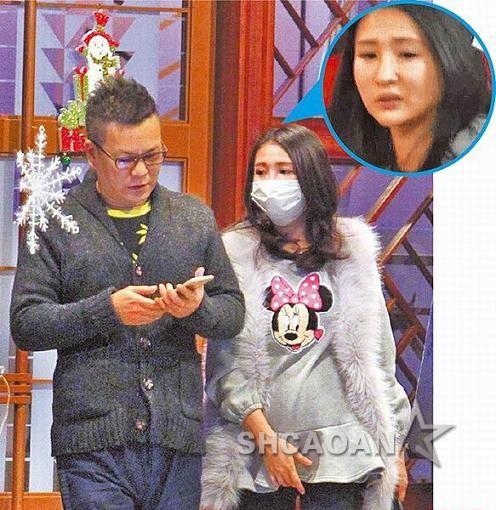 庞克大叔沈玉琳勾q板孕妻吴苇珊看电影 一路低头滑手机(图)