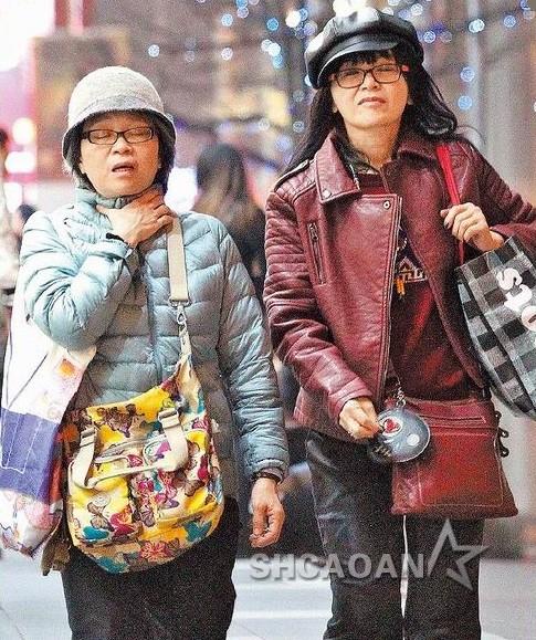 54岁朱慧珍与姐姐逛街被疑蕾丝边向法籍男友Someten抱怨(图)