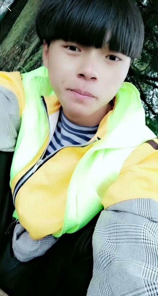 歌手韩小浩
