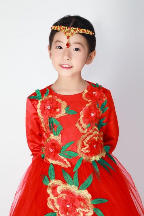 童星刘佳琪发行歌曲《闪亮的梦想》获好评