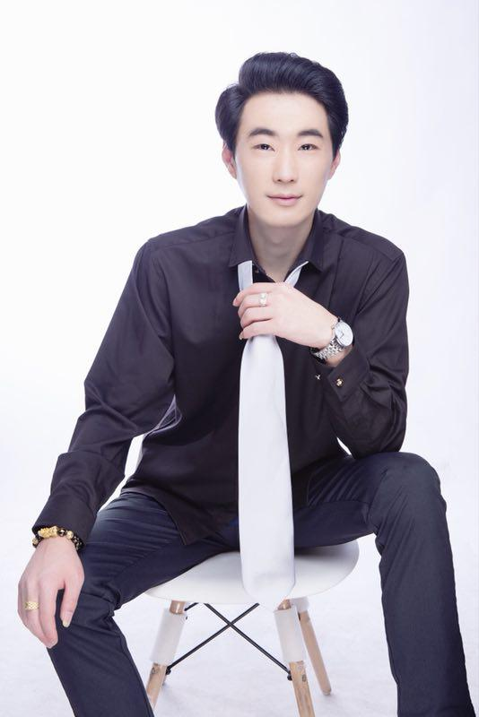 华语音乐人胡跃春新歌《陪你飞过爱情海》发行