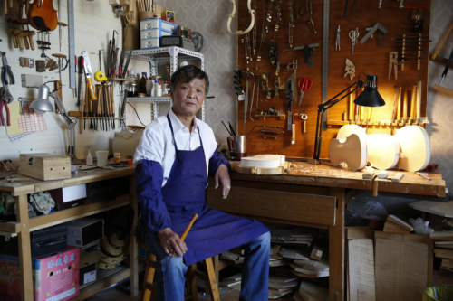 著名提琴制作大师王特担任中国爱乐乐团首席提琴修复师