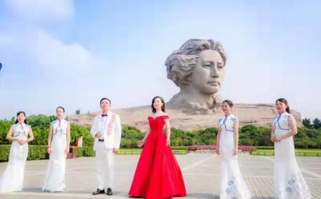 长沙各小学联合拍摄爱国教育公益片献礼新中国成立70周年