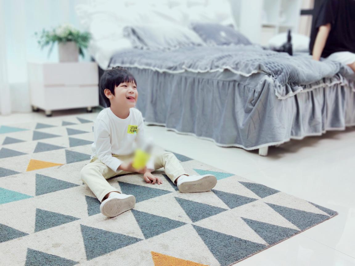 喜聚星旗下签约艺人孙锐轩受邀参与某品牌书包水壶平面广告拍摄