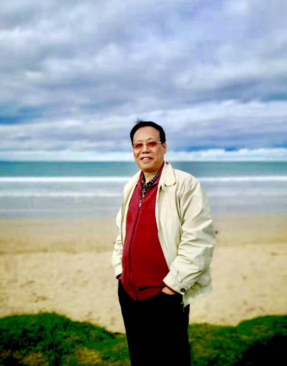 戴建明励志原创单曲《我们拥有一片大海》让人耳目一新