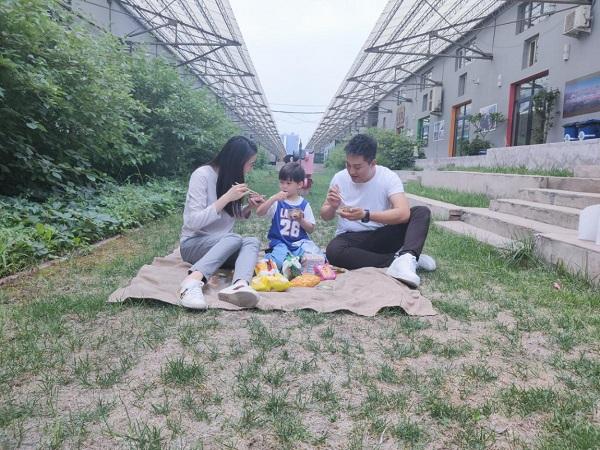 喜聚星旗下签约艺人吴培郡受邀参与秋刀鱼罐头品牌广告拍摄