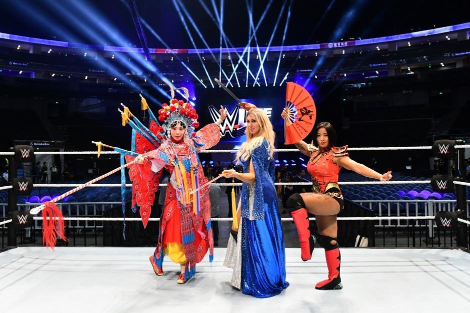 东方古典遇见西方流行WWE现场秀娱乐大不同中国之星大放异彩