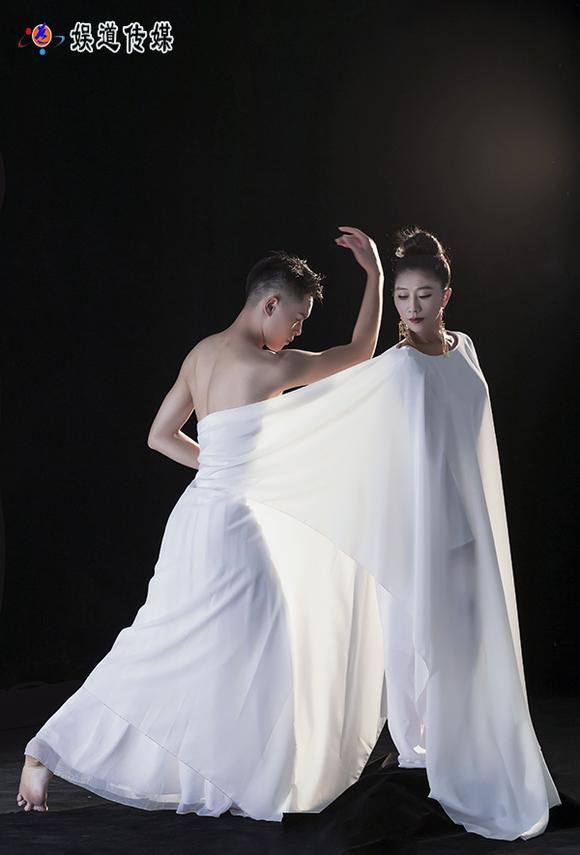 著名舞蹈家夏冰最新剧照:古风。生命。诺言