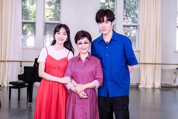 青年女高音易铭参加湖南卫视庆祝中国成立70周年特别节目