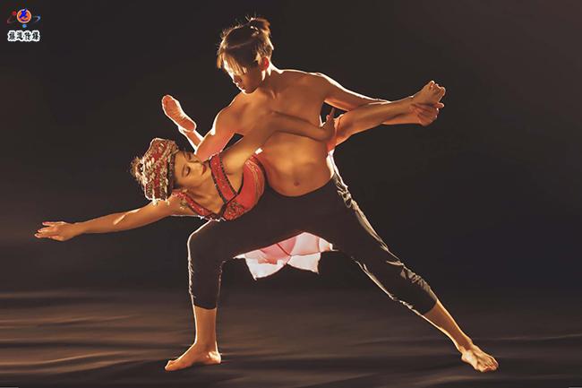 中国舞蹈艺术家夏冰编导的三个舞蹈