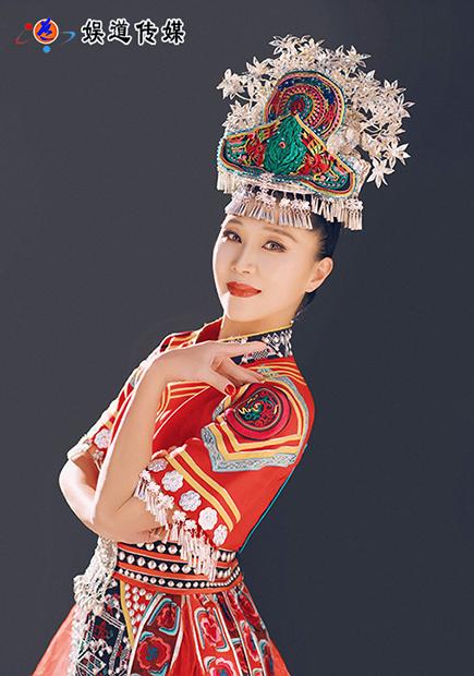 「名人名家」原生态舞蹈家夏冰的红绿情结