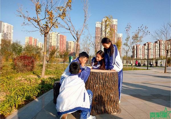 喜聚星旗下签约艺人贺梦洁、雷馨月受邀参与康师傅北京马拉松广告拍摄