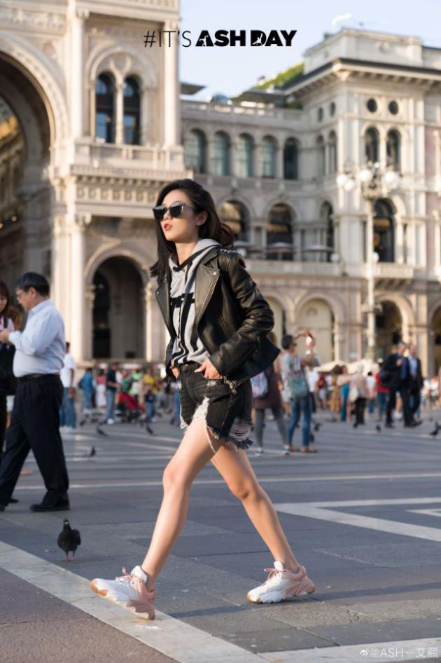 ASH LASVEGAS柳钉皮衣爆棚时尚力 横扫时尚周与博主街拍
