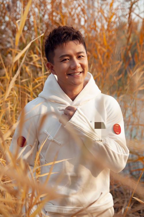 奥运冠军陈一冰国潮写真出炉:中国风期待中国年