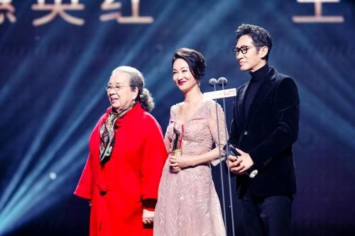 老戏骨惠英红和王劲松佳作不断,获得今日头条年度榜样演员