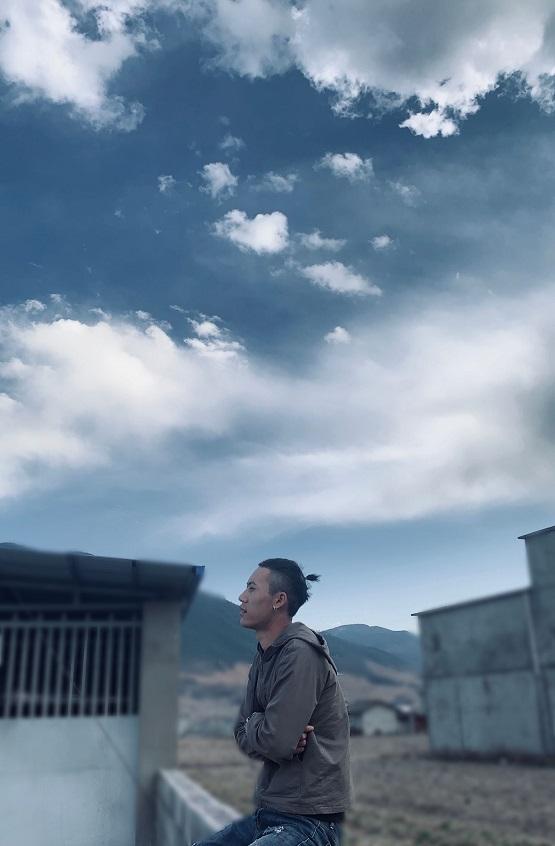 彝家爱恋歌谣《月亮阿妹》 彝人歌手赵仙洋倾情创作