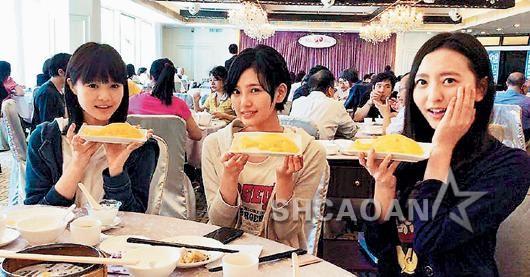 AKB48粉丝香港握手过3关安检大岛优子下海脱光光(图)